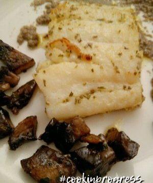 Filetto di Baccalà marinato alle erbe con Funghi Portobello in due consistenze