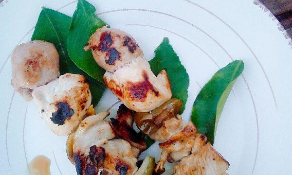 Spiedini di pollo marinati al Lime con salsa tzatziki