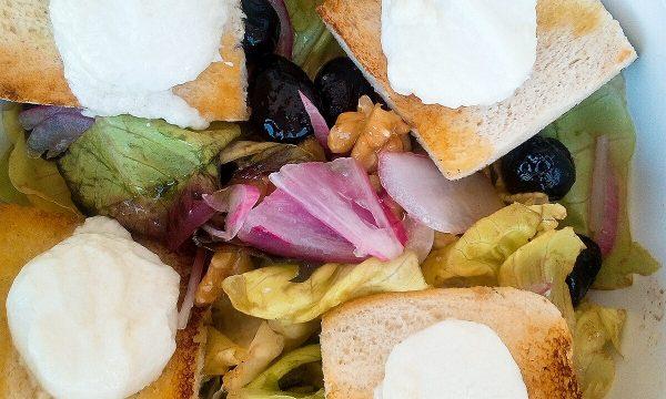Salad de chèvre chaud dalla Francia con amore
