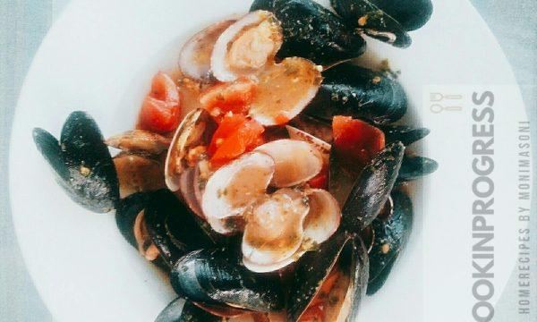 Zuppetta di molluschi al pesto e pomodorini
