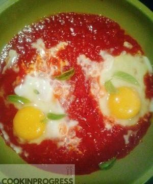 Uova pomodoro e basilico w la semplicità