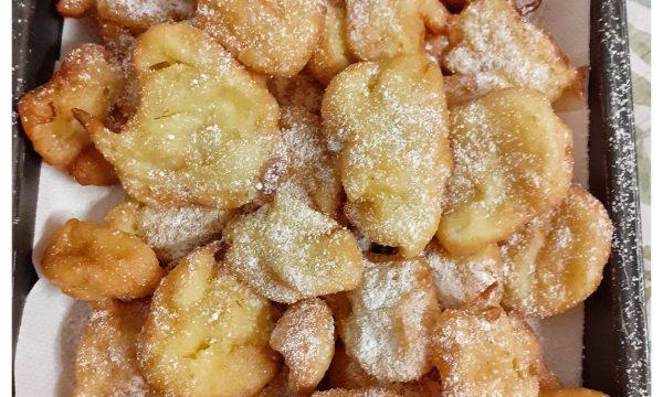 C'era una volta: le frittelle di mela e pinoli della nonna