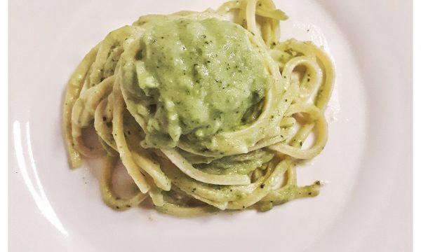 Trighetti al pesto di broccolo e ricotta di bufala