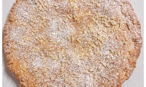 Frolla, nuova ricetta, ripiena di crema alla nocciola