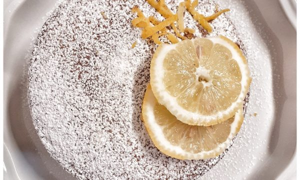 Torta farcita con crema al Limoncello