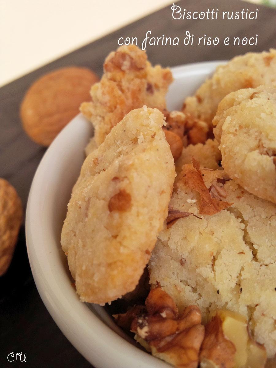 Biscotti rustici con farina di riso e noci