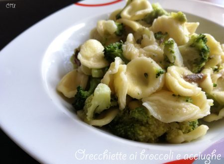 Orecchiette ai broccoli e acciughe