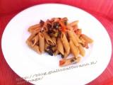 Pasta integrale al radicchio e pomodori semi secchi|CorinaGS
