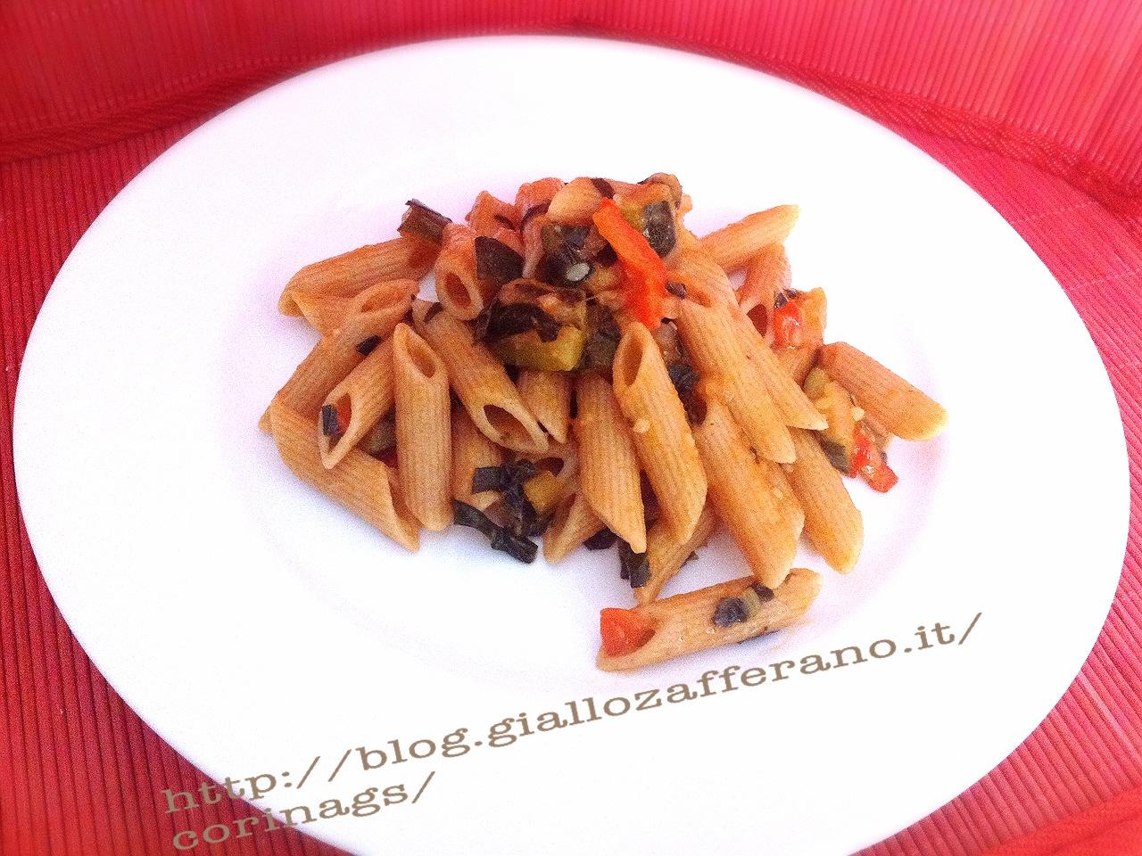 Pasta integrale al radicchio e pomodori semi secchi CorinaGS