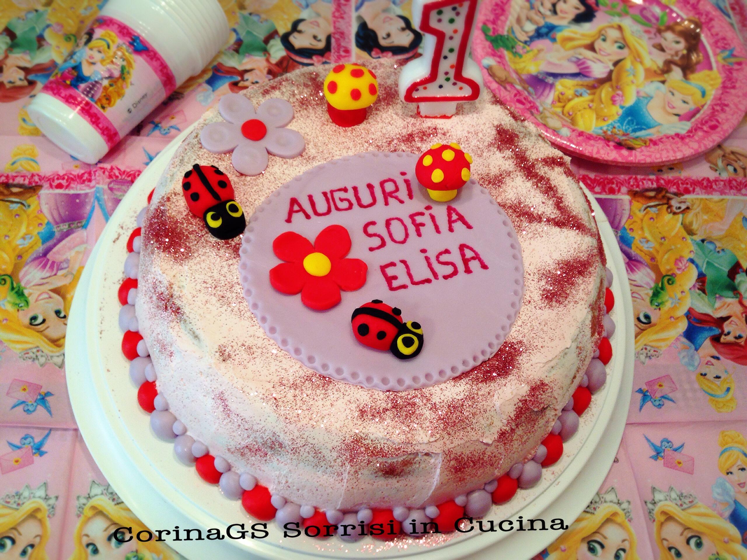 Torta Compleanno con decorazioni di pasta di zucchero CorinaGS