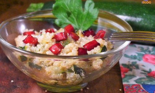 Quinoa, zucchine, formaggio e speck all'aceto balsamico