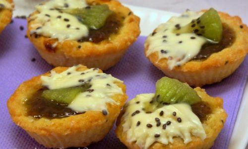 Tartellette, kiwi, cioccolato bianco e semi di Chia