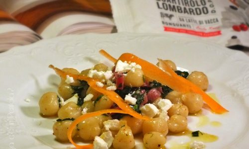 Gnocchetti al quartirolo, crudo e spinaci