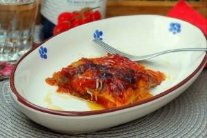Parmigiana di melanzane e patate ai datterini