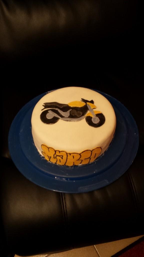 torta moto honda hornet