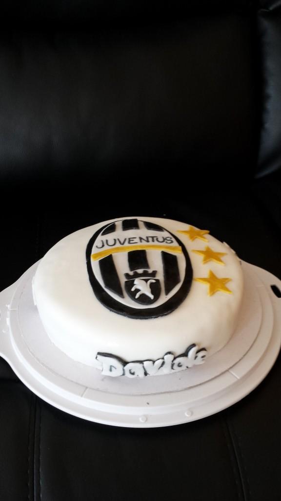 torta compleanno juventus