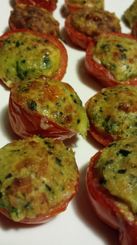pomodorini ripieni di formaggio prezzemolo e basilico