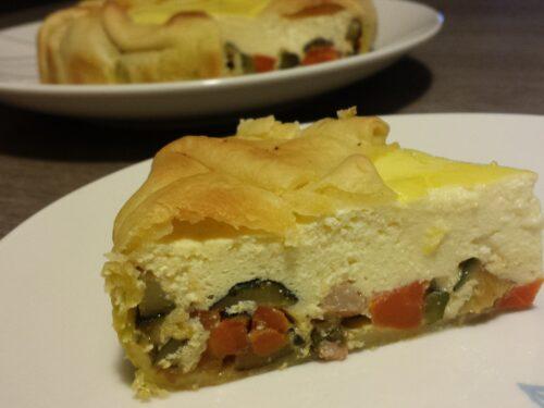 Torta salata con ricotta, pancetta, carote  e zucchine