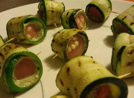 Involtini di zucchine e wurstel