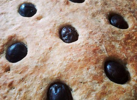 Focaccia al grano duro con le olive