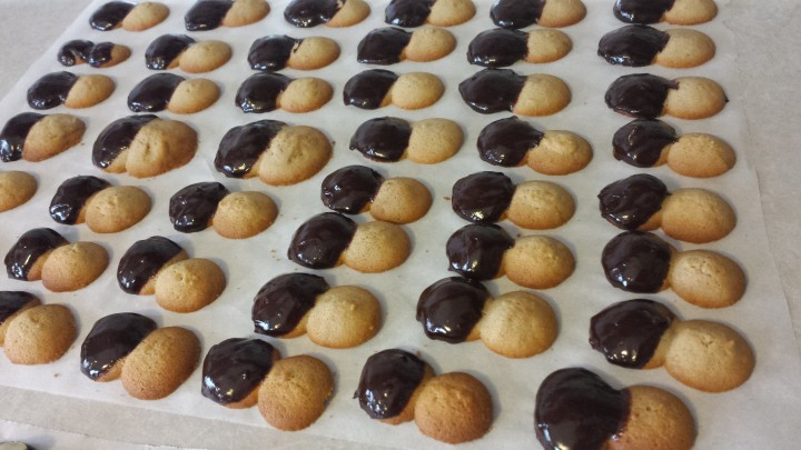 Biscotti al caffè di frolla montata