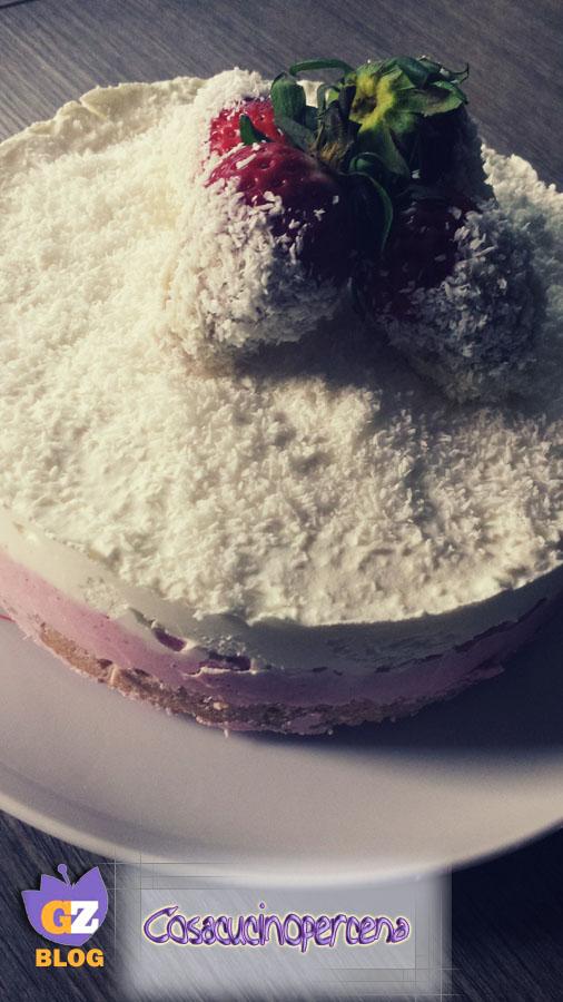 Cheesecake cocco e fragole