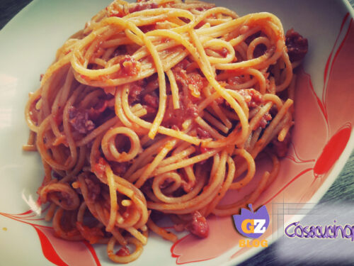 Spaghetti con ragù di salsiccia