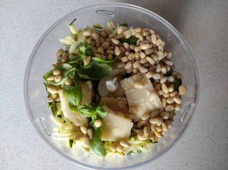 frullate le zucchine con il resto degli ingredienti