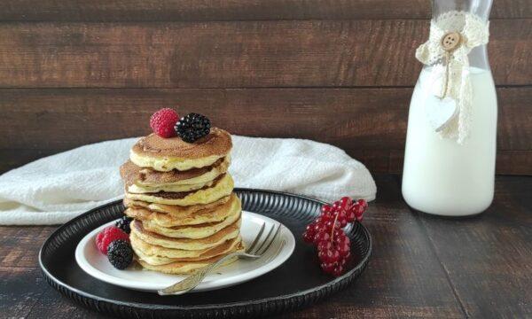 PANCAKE VELOCI, ricetta base dolce