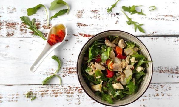 INSALATA DI POLLO, ricetta riciclo e svuotafrigo