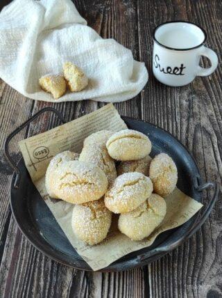 sfornate lasciate raffreddare e servite i biscotti