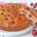 Torta al grano saraceno con ricotta e ciliegie