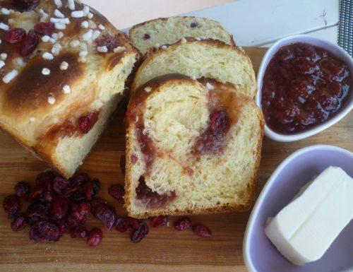 Pan del mattino ai mirtilli essiccati