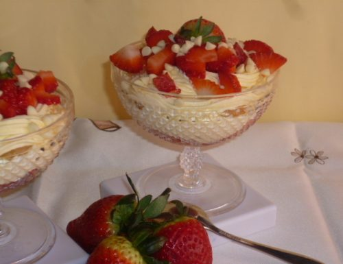 coppe mascarpone e fragole