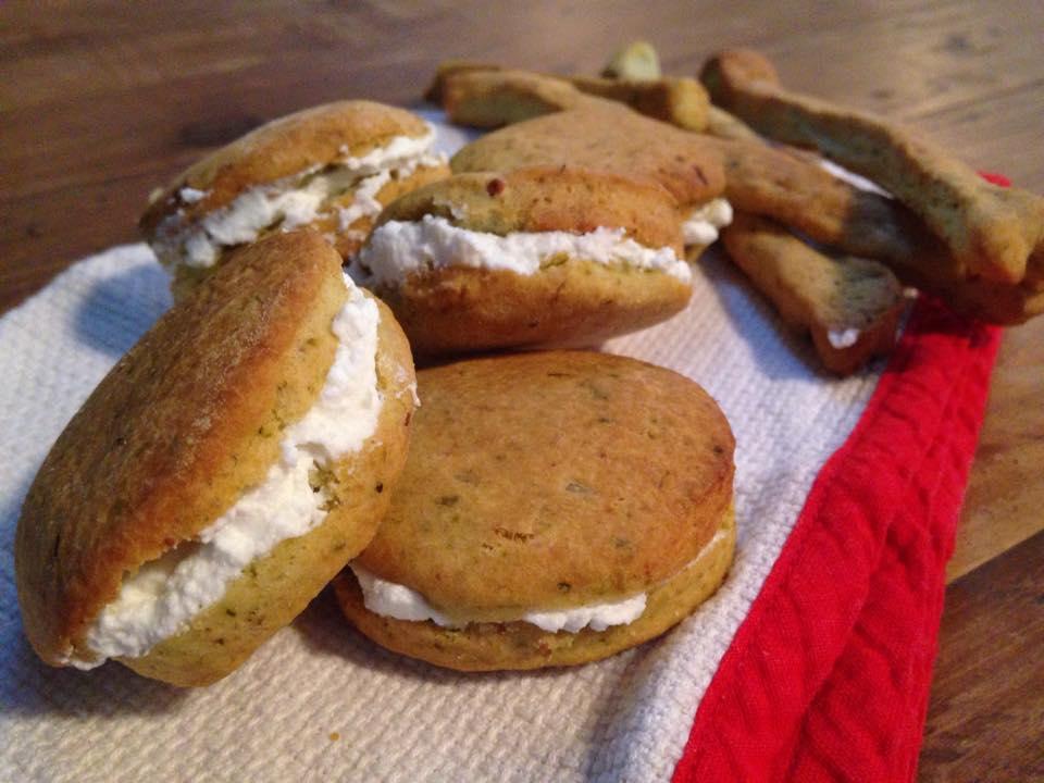 biscotti salati al pesto con robiola