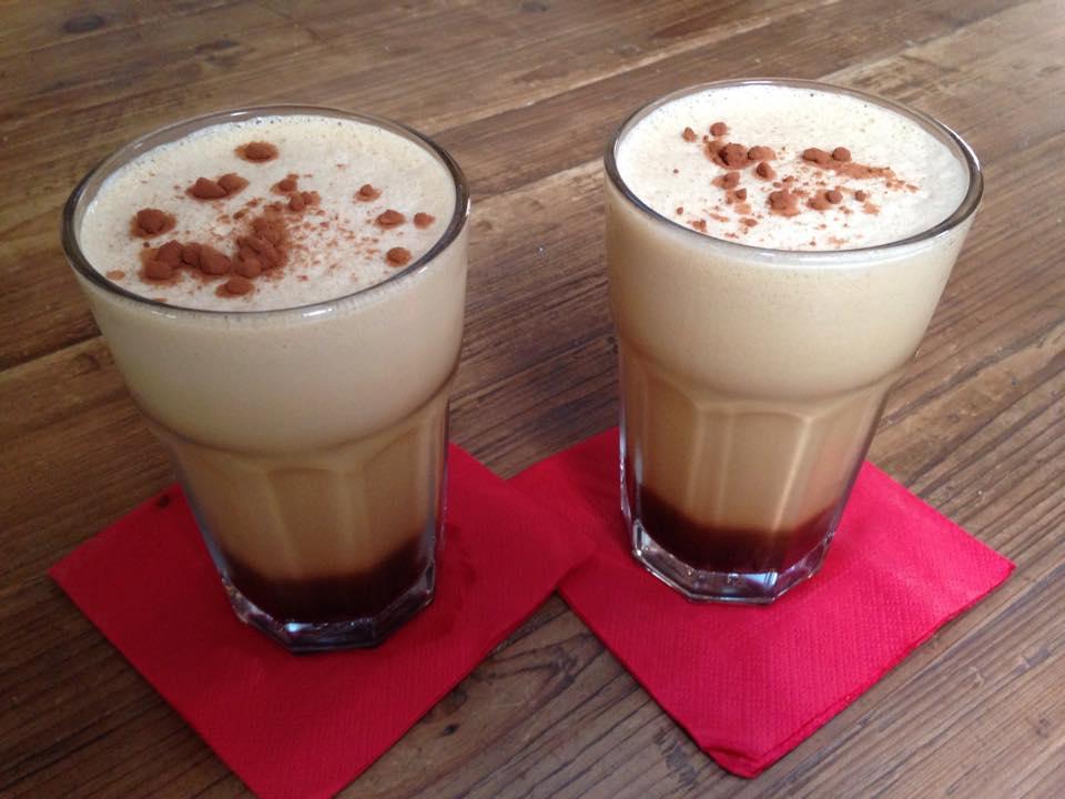 spuma ghiacciata di caffè