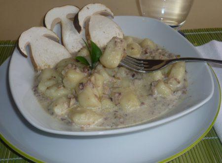 gnocchi di patate alla bava con porcini