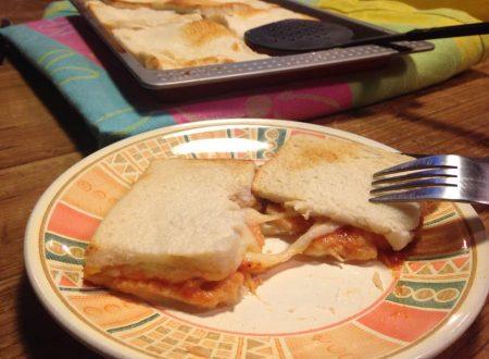 pizza di pancarrè farcita-ricetta veloce