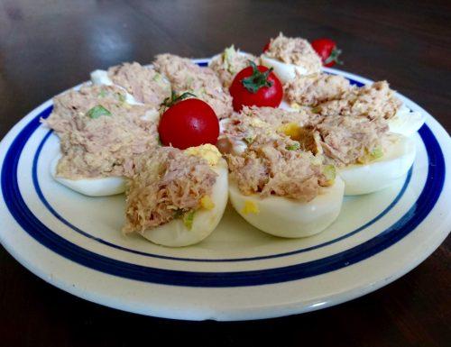 uova farcite con tonno e zucchine