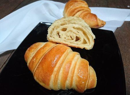croissant vegan con pasta madre