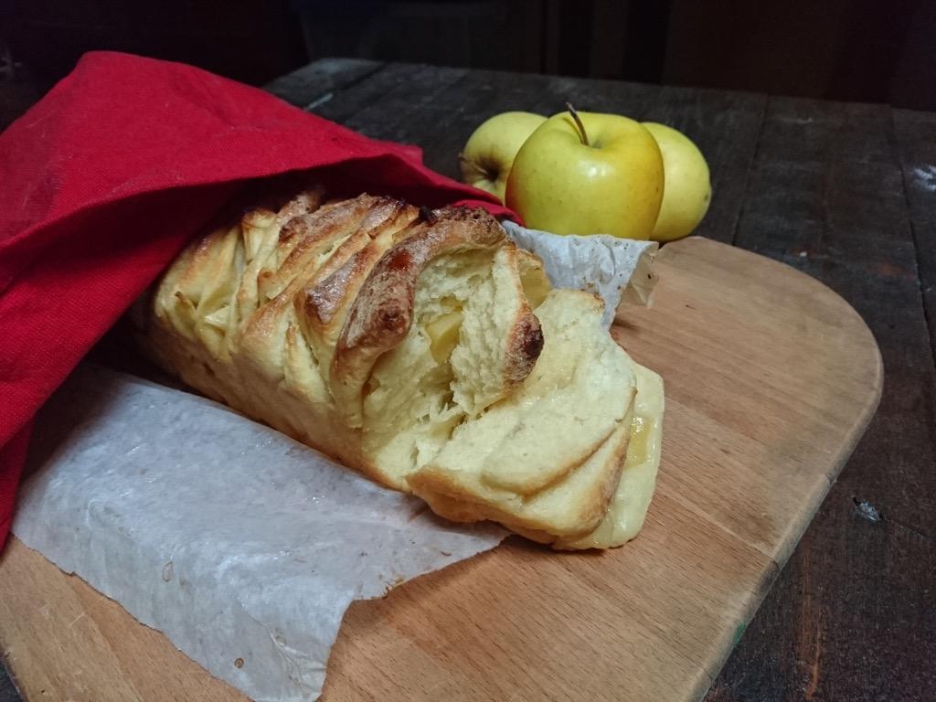 pull apart bread con mele a lievitazione naturale