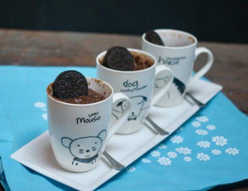 mug cake con oreo e cioccolato