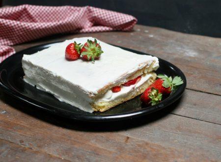 torta semplice panna mascarpone e fragole