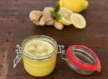 zenzero e limone sotto zucchero e miele