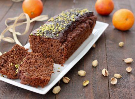 plum cake con pistacchi, cioccolato e arancia