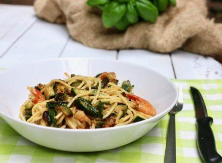 spaghetti gamberoni e zucchine