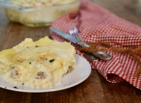 lasagna bianca mozzarella e salsiccia