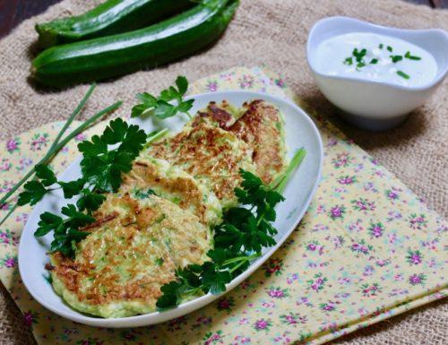 frittelle di zucchine e yogurt