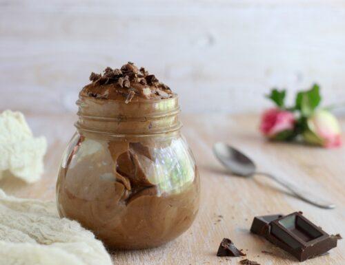 mousse al cioccolato con pate a bombe