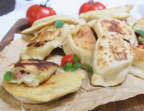 calzoncini prosciutto e formaggio senza lievitazione